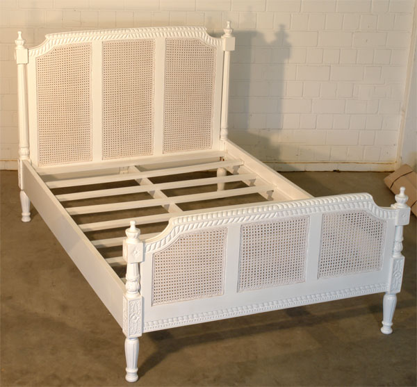 franz chateau bett innen antik weiss vintage bett k niglich betten. Black Bedroom Furniture Sets. Home Design Ideas